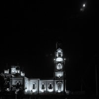 Ночь, Храм, Луна :: Валерий Гудков