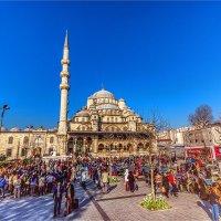 Воскресный день у Новой мечети в Стамбуле :: Ирина Лепнёва
