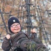 Простые радости - на качели :: Андрей Синявин