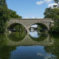 Каменный мост через р.Эйвон (Стратфорд, Канада) :: Юрий Поляков