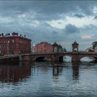 Прогулки вечером...Старо-Калинкин мост :: Валентин Яруллин