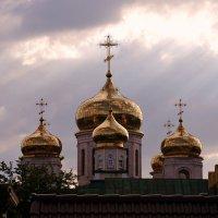Храмов золотые купола ... :: Евгений Юрков