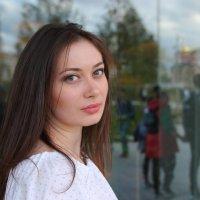 В платьице белом. :: Александр Бабаев