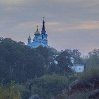 Опять же, вечер, Урал, горы, храм. :: Михаил Полыгалов