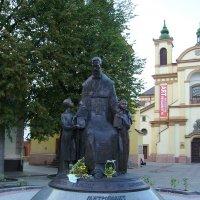 Памятник   Андрею   Шептицкому   в   Ивано - Франковске :: Андрей  Васильевич Коляскин