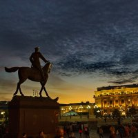 Маршал едет на коне. :: Александр Бабаев