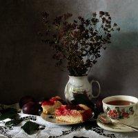Чай с душицей и сливовым пирогом :: SaGa