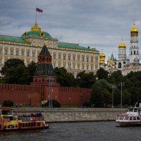 напротив Кремля :: Валерий Гудков