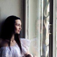У окна :: Ольга Широковская