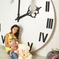 Мама с дочкой :: Татьяна Карканица
