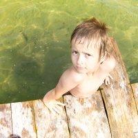 Мальчик на пляже :: Марина Кириллова