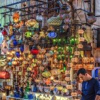 Продавец ламп на Гранд Базаре :: Ирина Лепнёва