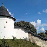 Псково-Печорский монастырь :: Марина Домосилецкая