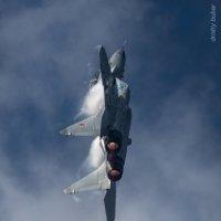 Танец в облаках. МиГ-29М2 демонстратор МиГ-35 :: Дмитрий Бубер