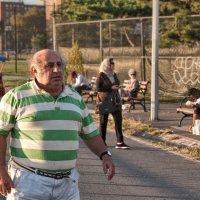 Встревоженный дедушка :: Олег Чемоданов