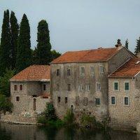 Старые стены. Требинье. Босния. :: Евгения Кирильченко