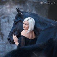 Black :: Леся Седых