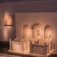Интерьер древней синаноги :: Александра