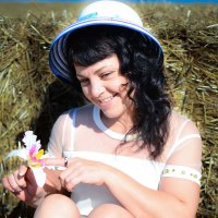 Девушка в шляпке. :: Александр Никитин