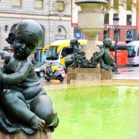 Барселона, площадь Каталунии :: Alexandr G