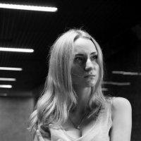 Драматичный женский портрет :: Нелли Попп