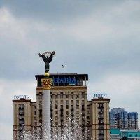 Фонтаны на пл. Независимости :: Владимир Бровко
