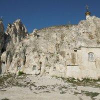 Пещерный храм в Дивногорье. :: Ираида Мишурко