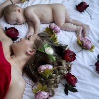мама с младенцем :: Виктория