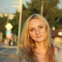 Солнечный женский портрет) :: Нелли Попп