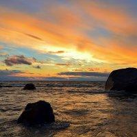 Закат на заливе :: Николай