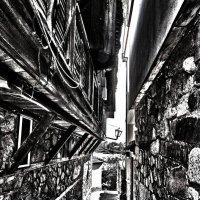 Стариные улочки Созополя :: Alexander Andronik