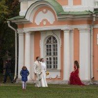 Женщины бегут к браку с той же скоростью, с какой мужчины убегают от него:) :: Александра