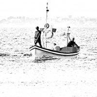 По морю лодочка плылаание :: Alexander Andronik