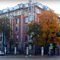Городская осень. :: Марина Харченкова