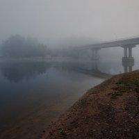 Речные берега окутаны туманом... :: Евгений Плетнев