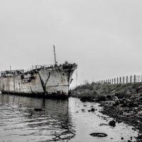 Заброшенный кораблик :: Arman S