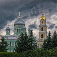 Троицкий собор,колокольня :: Ирина ***