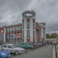 «Звезда» — один из крупнейших кинотеатров в Тверской области. :: Михаил (Skipper A.M.)