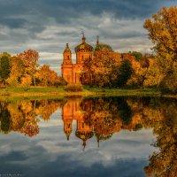 В золоте осенних красок :: Валерий Горбунов