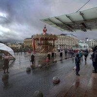 Тучи над городов встали. :: Александр Бабаев