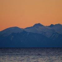 Байкал,горный хребет Хамар-Дабан,вечер :: Юрий Николаев
