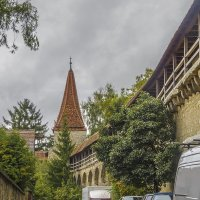 У крепостной стены :: Сергей Цветков