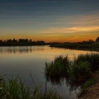 На озере после заката :: Александр Синдерёв
