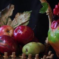Яблочный страж :: Ирина Сивовол