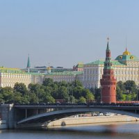 Москва зпт Кремль тчк :: Андрей