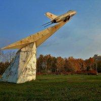 Взлёт в Золотую осень... :: Sergey Gordoff