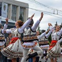 В ритмах танца... :: Nina Streapan