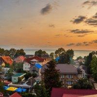 Прекрасный вечер на Юге ( Вид с балкончика ) :: Андрей Гриничев