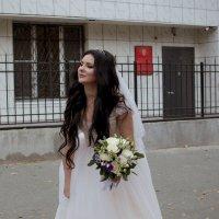 Свадьба только началась, а невеста уже устала :)) :: Ксения Остапенко