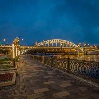 Москва. Лужнецкий мост (вечер) :: Борис Гольдберг